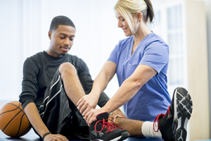 sports medicine doctors near me